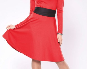 Red dress. Dress with belt. Dress with a skirt sun. Dress with sleeves. Jersey dress. Midi red dress.