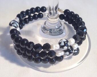 Black beaded bracelet, black bracelet