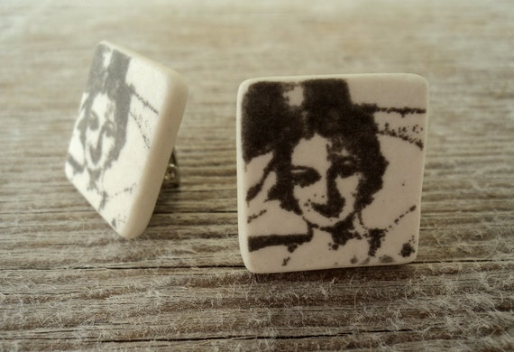 Vintage print semi porcelain clip earrings