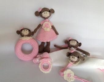 Newborn gifts.Basket newborn pink Mona amigurumi