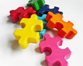 Jigsaw crayon set