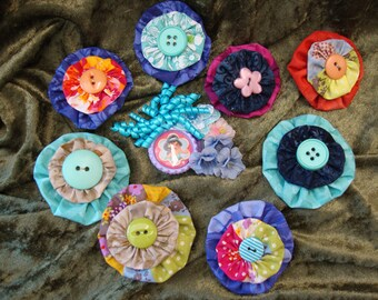 Disney Princess Jasmine Hair Clip for the Birthday Girl and 8 Yo-Yo Hair Clips to Give as Party Favors to Friends