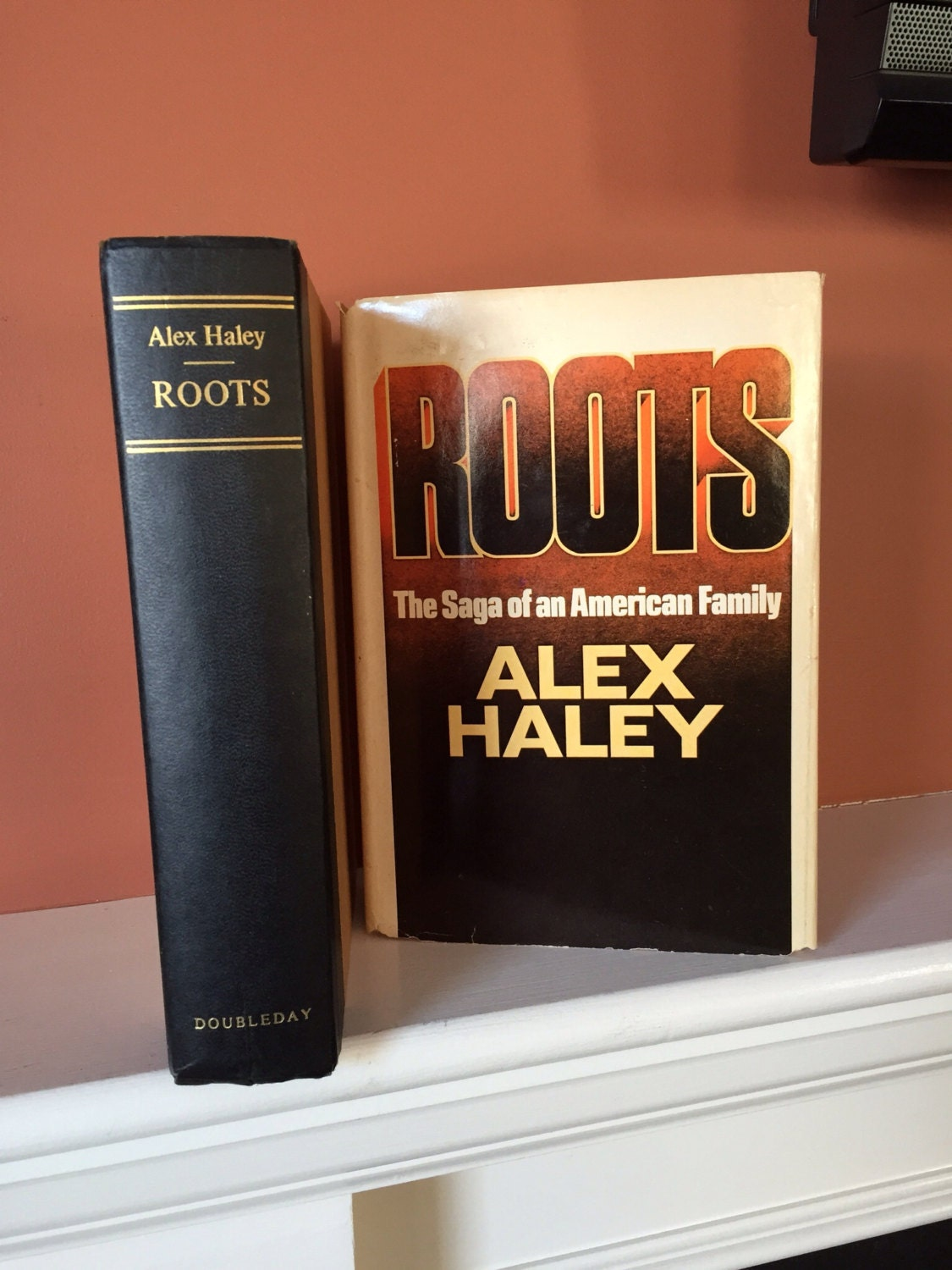 Roots The Saga Of An American Family: Roots: The Saga Of An American Family Alex Haley 1976