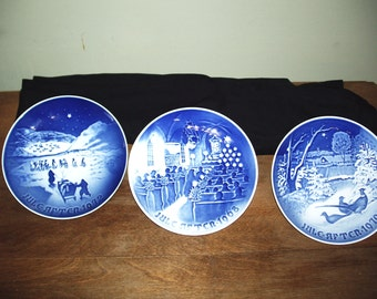 3  Jule after bing and grondahi 7in plates in blue porcelain 1968-1970-1972