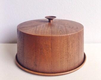 Retro Cake Keeper - 1970s Faux Bois Woodgrain Dessert Cover