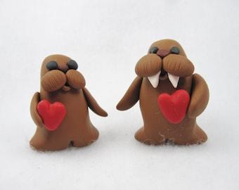 Miniature walrus couple, valentine's day walruses, polymer clay walrus couple, walrus figurine, miniature figurine, valentine miniature