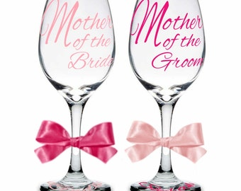 Single (1) Mother of Bride or Mother of Groom Personalized Wine Glasses, Mother of Bride Gift, Mother of Groom Gift