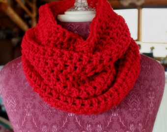 Infinity Scarf, Chunky Scarf, Simple Crochet Cowl in Color of your Choice by CustomCrochetables, Knit Infinity Scarf, Christmas Gift for Her