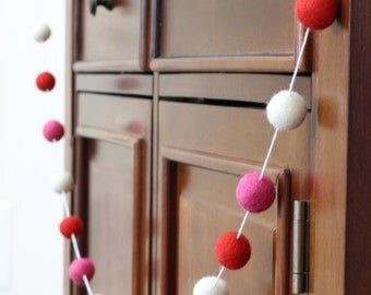 Valentines Day Felt Ball Garland, Red, Pink and White Pom Pom Garland, Banner, Party Decor
