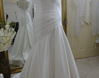 ZANNA. Embroidered Tulle Neck detailed Gown.
