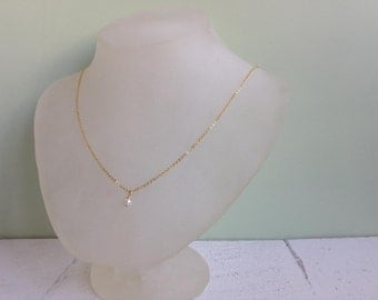 Dainty Pearl Necklace, Pearls & Gold Necklace, Gold Pearl Necklace, Bridesmaid gift, Bridal Necklace, Wedding Necklace, Dainty Necklace