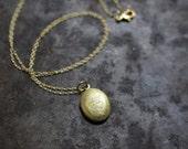 Vintage Oval Locket Necklace