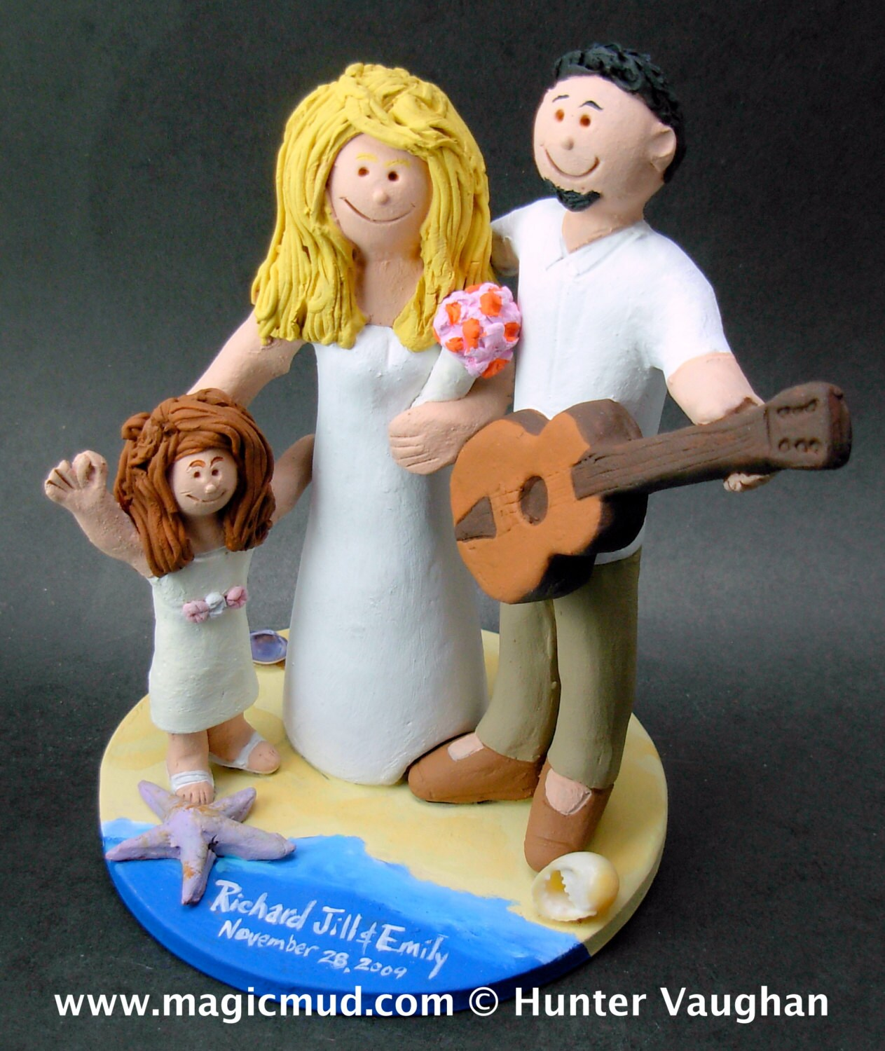wedding cake toppers bride groom daughter acoustic guitarist s wedding cake topper guitar wedding 26425