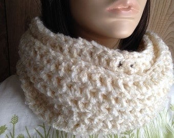 Crochet Circle Scarf Cowl Infinity Scarf in Offwhite Cream