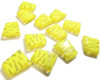 12 20mm Yellow Tiger Beads Yellow Animal Print Beads Tiger Stripe Beads Plastic Beads Trapezoid Beads Jewelry Making Smileyboy
