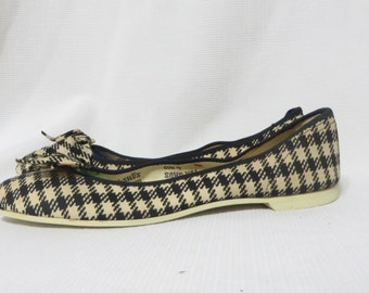 Vintage Shoes Flats 1950s Deadstock houndstooth plaid w bows Rockabilly Casual Mid Century 6.5 Fun-Shus VLV