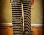 Women's Big Knit Ruffle Pants in Rayon Jersey Spandex