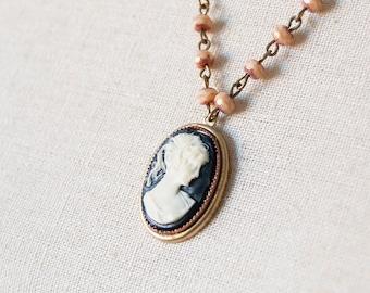 Lady Sybil - elegant cameo necklace