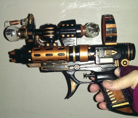 Steam Punk Crystal Beam Refractor Composite Modulator ( ray gun)