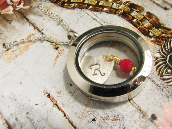 Personalized jewelry, initial locket pendant, bridesmaid jewelry personalized floating locket, heart jewelry, Personalized necklace