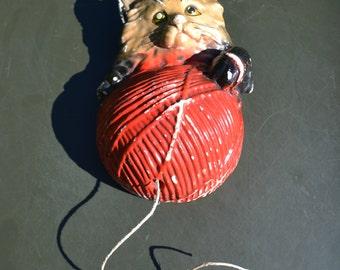 Vintage Chalkware Cat String Holder