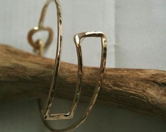 Gold bracelet zigzag cuff hammered metalsmith work-Handmade 14k gold filled cuff Dainty bracelet