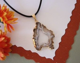 Druzy Necklace Gold, Geode Necklace, Crystal Necklace, Gold Geode Slice Druzy,GG31