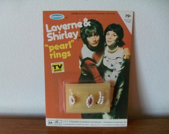 Vintage Laverne & Shirley Pearl Rings TV Series Toy 1970s Mint on Card Penny Marshall and Cindy Williams