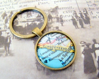 Free Gift Box! Cinqueterre Keychain, Italy Keychain, 25mm Round Keyring, Antiqued Brass Key Chain, Made with Love, Comes in a Cool Gift Box