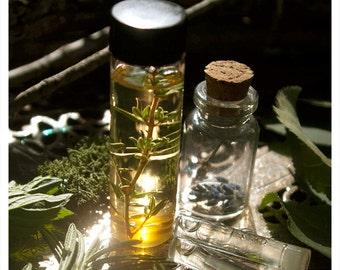 bene gesserit - natural perfum oil - 1/2 oz essence of sandalwoods and peony