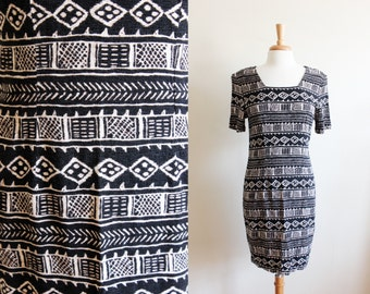 Vintage Black, White & Beige Graphic Print Shift Dress