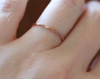 Delicate Hammered Wedding Ring - Band in Solid 14k White or Yellow or Rose or Green Gold - Simple Band of Gold - Dainty Hammered Halo