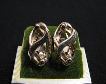 Vintage Gold Tone Puffy Swirled Knot Clip Earrings