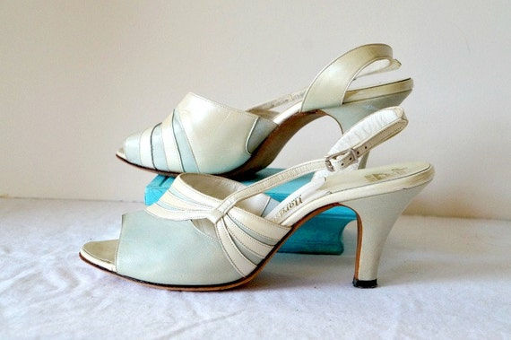 Vintage 50's Baby Blue and White Heels / 6 1/2