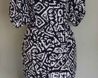 FREE SHIPPING!! Vintage Navy and White Dropped Shoulder Dress by Jan Barboglio  Size 8