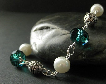 Teal Crystal Bracelet. Crystal and Pearl Bracelet. Teal Bracelet. Silver Bracelet. Handmade Bracelet. Handmade Jewellery.
