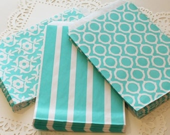 Paper Favor Bags, 15 Aqua Paper Treat Bags, Party Favor Bags, Blue Paper Bags, Candy Bags, Wedding Favor Bag, Bag