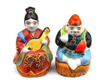 1950s Asian Couple Figurines Hand Painted Japanese Porcelain Ceramic - Samurai Geisha Zen Chi Japanese Chinoiserie Sushi Tea Room Home Decor