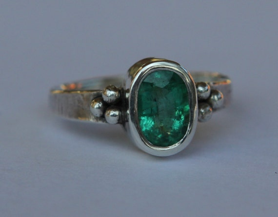 1.34 ct Natural Medium Green Colmbian Emerald Sterling Silver Ancient Roman Inspired Ring SZ 6.5  Panna Stone
