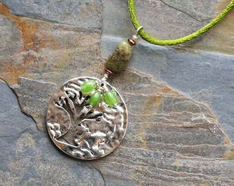 Tree of Life Necklace, Tree Pendant, Green Garnet Necklace, Natural Stone Necklace, Green Necklace, Beaded Necklace, Handmade Necklace