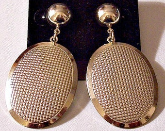 Textured Oval Wide Band Discs Pierced Earrings Gold Tone Vintage Long Curved Dangles Large Round Top Button