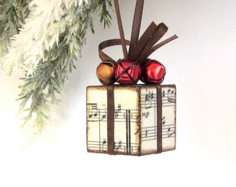 Small Christmas Tree Ornament Sheet Music Brown and Red Christmas Present Package Decoration Jingle Bells