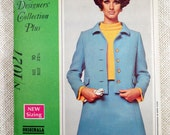 Vintage New York Designers' Collection sewing pattern 1960s Jackie Kennedy Onassis suit Asymmetric Cropped jacket Skirt  Bust 32.5 Originala
