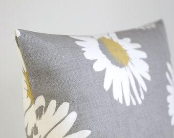 Pillow Cover, 18 Inch Pillow Sham, 18x18 Cushion Cover, Decorative Pillow Cover, Pillowcase, 18 Inch Sofa Pillow Cover - Daisies Mustard