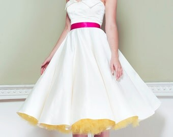 Satin 50's Wedding Dress, winged neckline, strapless, ivory, vintage, classic, full circle skirt, pink zip, 1950's