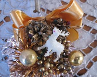 1950's Christmas Corsage, Gold Pinecones Reindeer