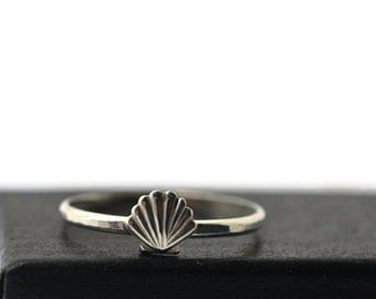 Silver Seashell Ring, Handcrafted Sterling Silver Ring, Ocean Jewelry, Petite Shell Ring