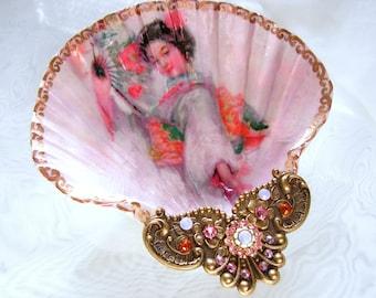 Pink Geisha Shell Jewelry Dish
