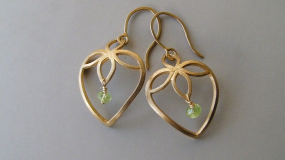 Heart Earrings in 18k Solid Gold with Peridot . Lotus Heart Earrings . Gold Flower Earrings . Gold Dangle Earrings . Valentine's Day Gift