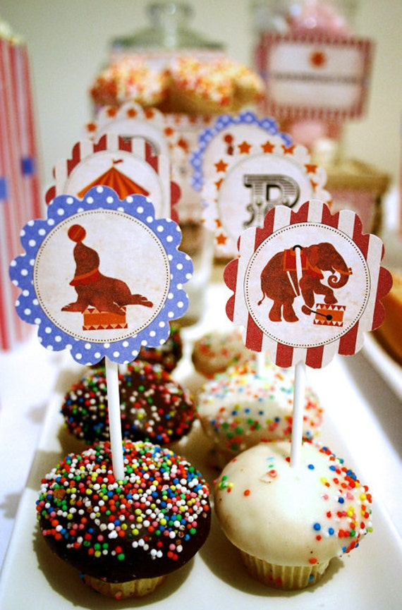 Vintage Circus Party Circles/Cupcake Toppers - INSTANT DOWNLOAD - Do it yourself printable birthday decorations by Sassaby